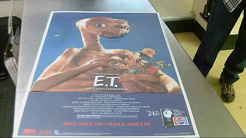 MCA HOME VIDEO Entertainment Memorabilia E.T. 3D PLASTIC POSTER PEPSI PROMOTION