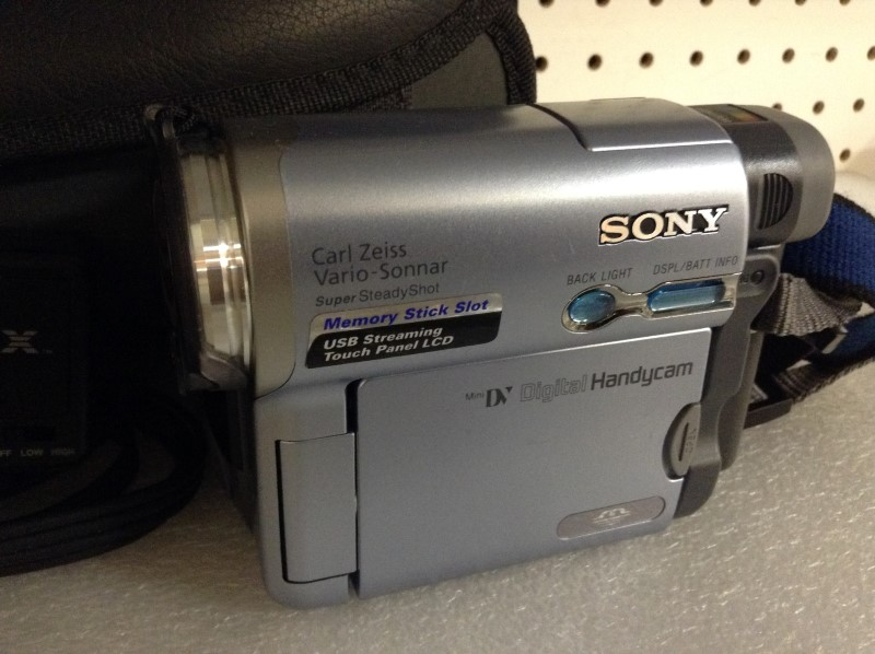 SONY Camcorder DCR-TRV22