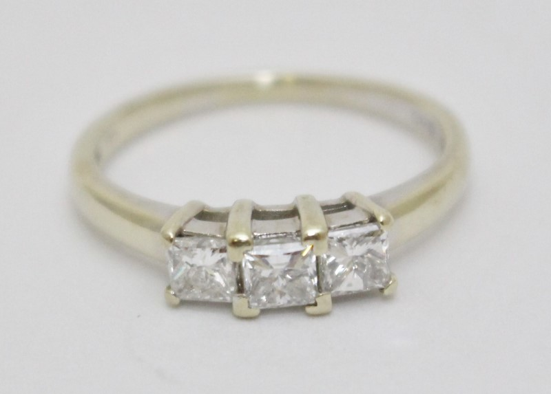 14K White Gold Princess Cut Diamond 3-Stone Engagement Ring Size 9