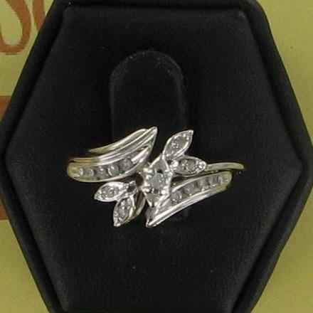 Lady's Diamond Wedding Set 15 Diamonds .17 Carat T.W. 10K White Gold 2.2dwt