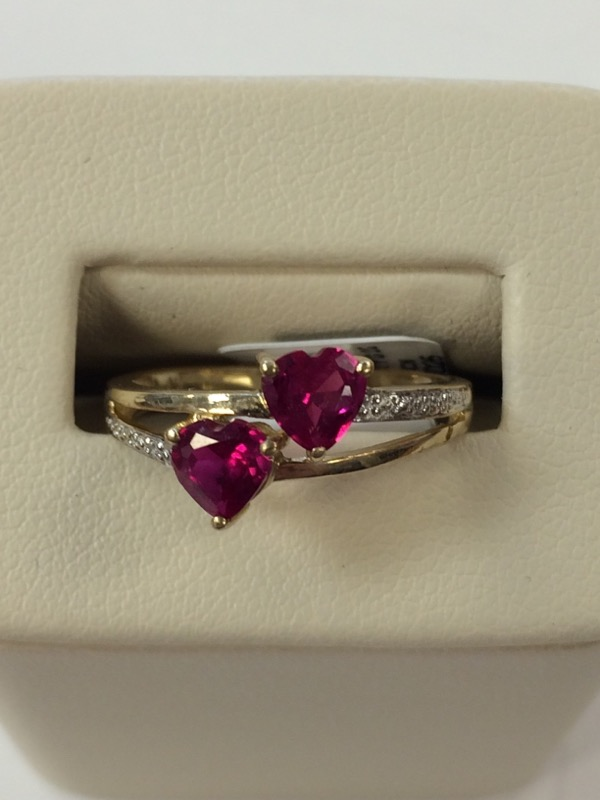 Red Stone Lady's Stone Ring 10K Yellow Gold 2g Size:7