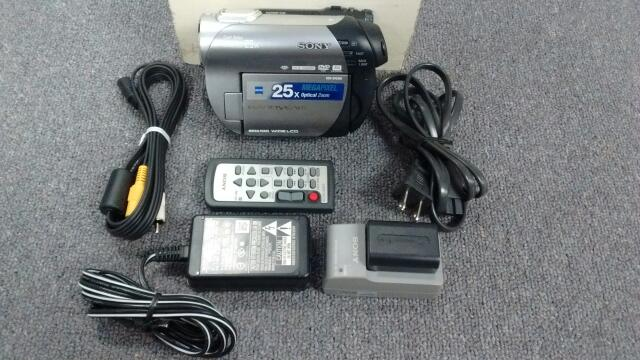 Sony Handycam DCR-DVD308 1.07MP Carl Zeiss 25x Camcorder