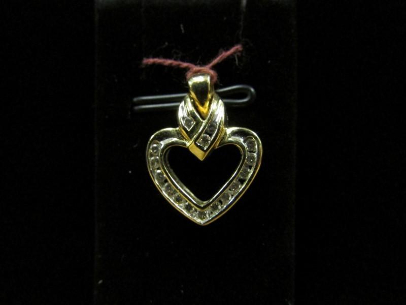 Gold-Multi-Diamond Pendant 16 Diamonds .32 Carat T.W. 14K Yellow Gold 2.5g
