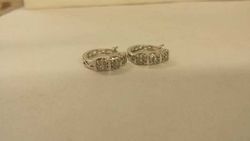 10K-W/G Diamond Earrings