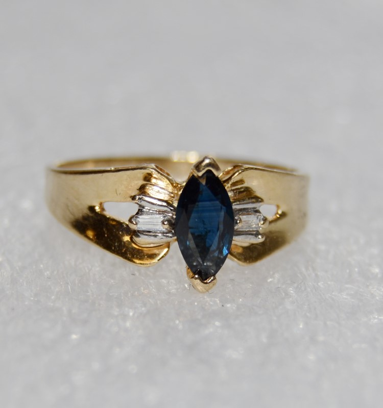 14K Yellow Gold Vintage Inspired V Tip Marquise Sapphire & Diamond Ring sz 6.75