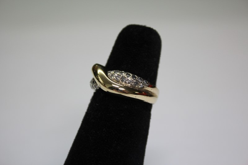 Lady's Diamond Fashion Ring 26 Diamonds .26 Carat T.W. 14K Yellow Gold 5.4g