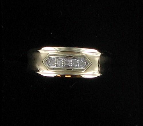 Gent's Gold-Diamond Wedding Band 5 Diamonds .15 Carat T.W. 10K Yellow Gold
