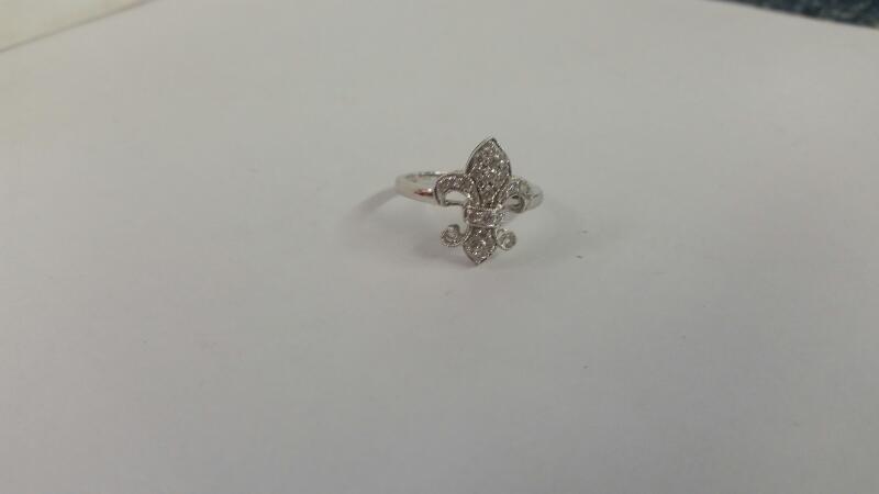 Lds 14K-W/G Fleur de Lis Diamond Ring