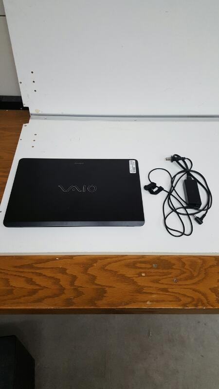 """Sony Vaio SVF15AC1QL (15.6"""" Touch, 1tb, 8gb, Core i7-3537U @ 2 ghz)"""