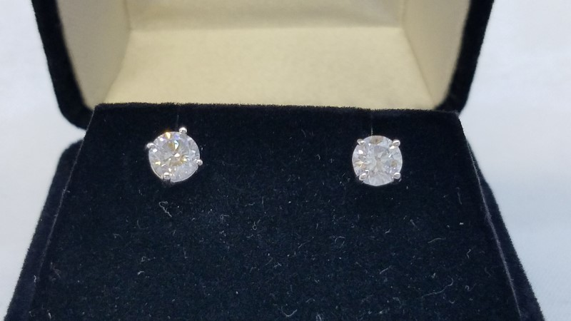 Gold-Diamond Earrings 2 Diamonds 1.01 Carat T.W. 14K White Gold 0.9g