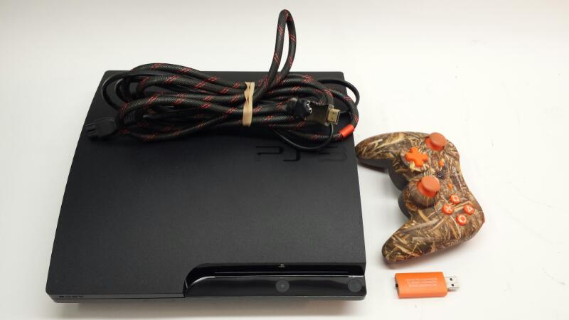 Playstation 3 - 320GB - HDMI - Wireless Power A Controller