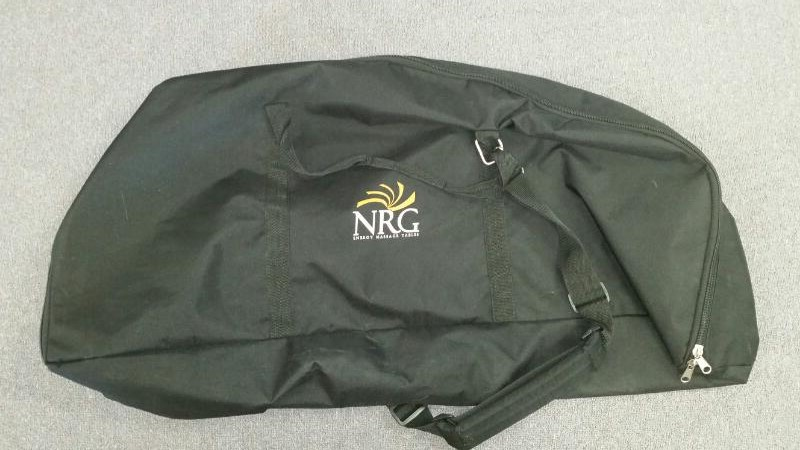NRG GRASSHOPER PORABLE FOLDING MASSAGE CHAIR, BLACK, W/ CARRYING CASE
