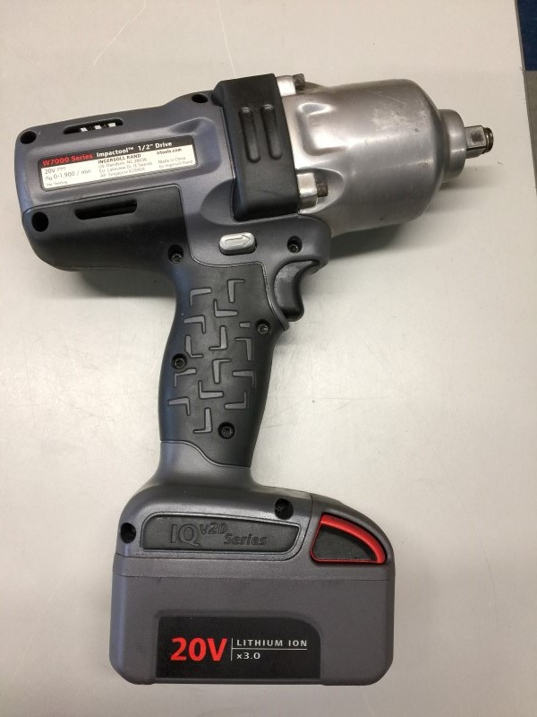 "INGERSOLL RAND W7150-K2 1/2"" 20V HIGH-TORQUE CORDLESS IMPACTOOL"