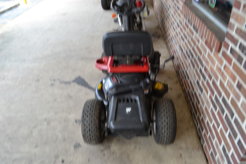 "24"" MURRAY Lawn Tractor 12TS070020F1H"