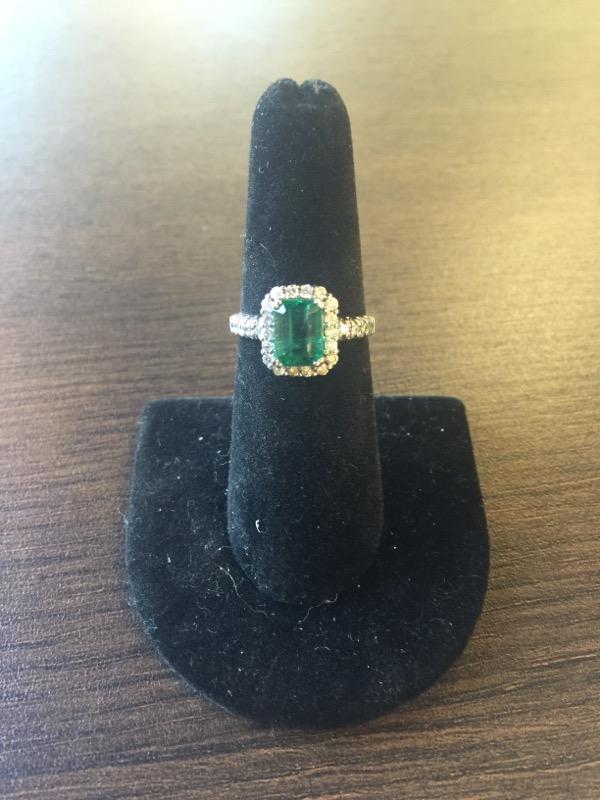 Emerald Lady's Stone & Diamond Ring 26 Diamonds .26 Carat T.W. 14K White Gold