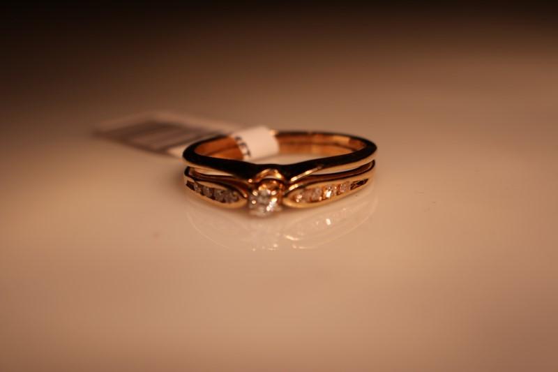 Lady's Diamond Wedding Set .06 CT. 14K Yellow Gold 3.58g