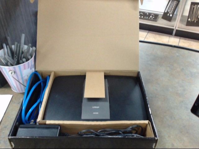 CISCO SYSTEMS Modem/Router EA6300