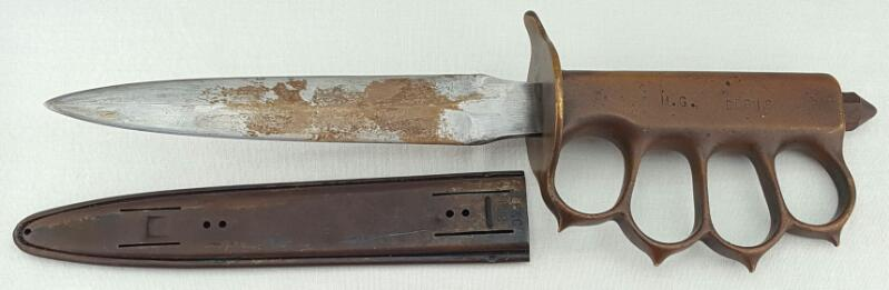 WORLD WAR I UNITED STATES L.F&C 1918 TRENCH KNIFE WITH SCABBARD