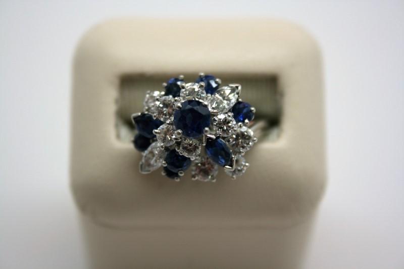 LADY'S FASHION DIAMOND & SAPPHIRE RING 14K WHITE GOLD