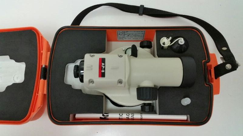 NIKON AP-8 AUTOMATIC LEVEL,WITH TRIPOD AND MEASUREING STICK