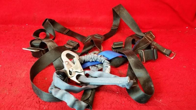 FALLTECH 7007 HARNESS - Basic Full Body Universal Fit Harness - 5' Life Line