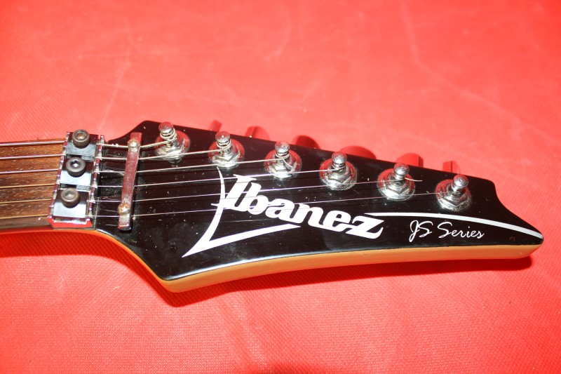 IBANEZ JS100 Joe Satriani BLACK *Free Shipping*