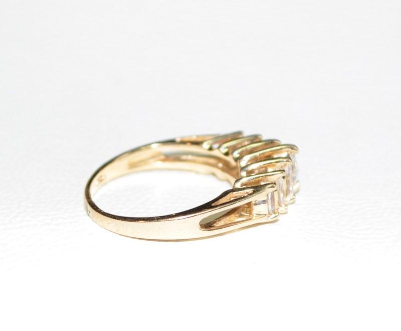 Lady's Diamond Cluster Ring 7 Diamonds .75 Carat T.W. 14K Yellow Gold 2.6g