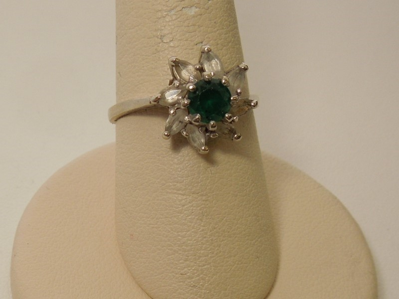 Synthetic Emerald Lady's Stone Ring 14K White Gold 3.5g
