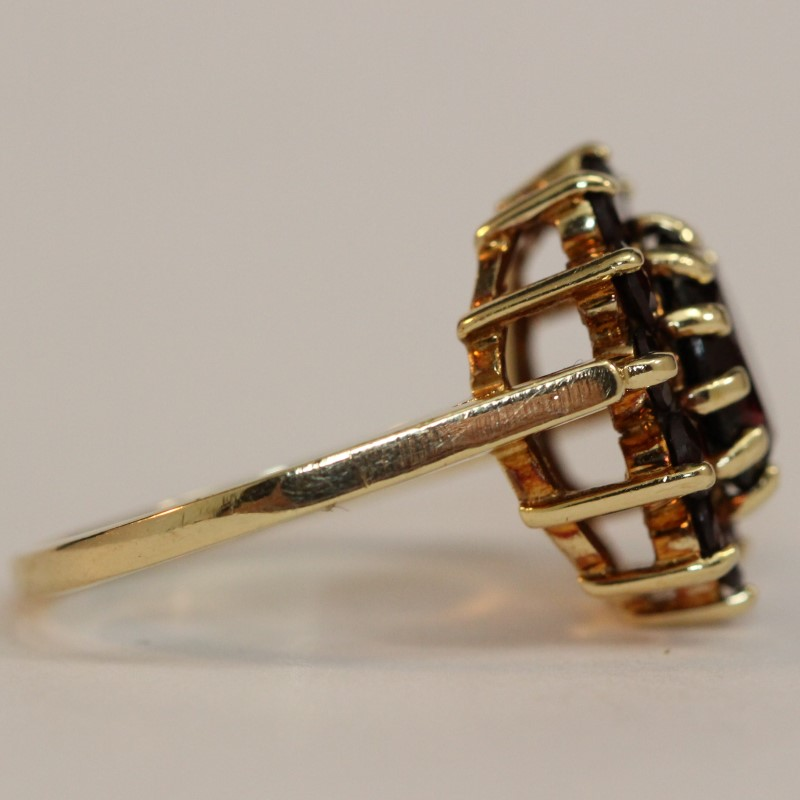 14K Yellow Gold Garnet Ring Size 6.75