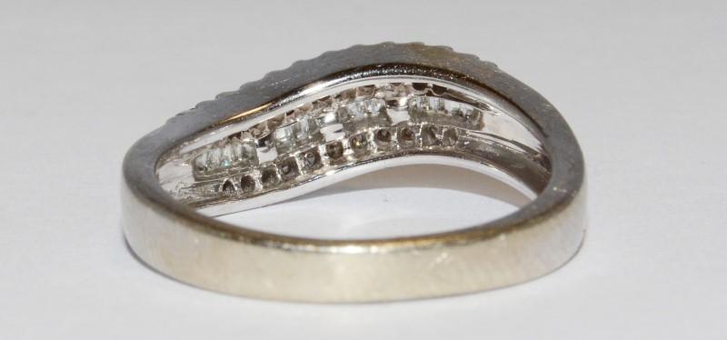 14K Women's White Gold Pave/Bead & Channel Set Diamond Wedding Band Size 7