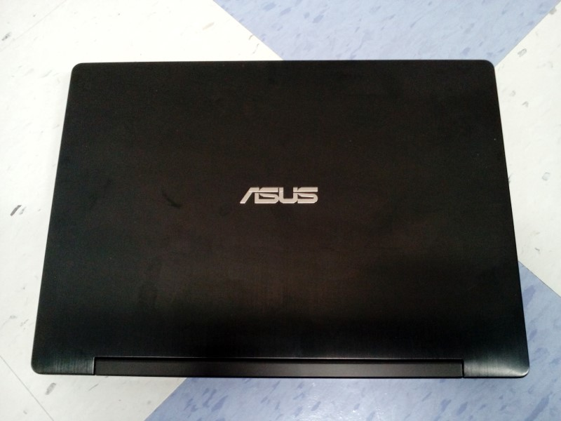 "ASUS TRANSFORMER TP300L 13.3"" WIN8.1/8GBRAM/I5/2.20GHZ/1TB HD"