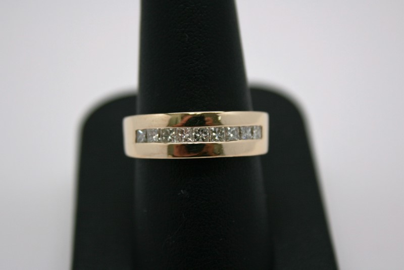 GENT'S PRINCESS CUT DIAMOND BAND 14K YELLOW GOLD