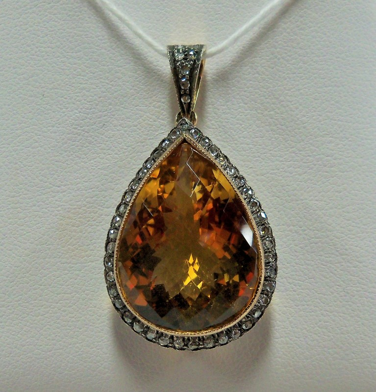 Brown Stone Gold-Stone Pendant 18K Yellow Gold 6.73dwt