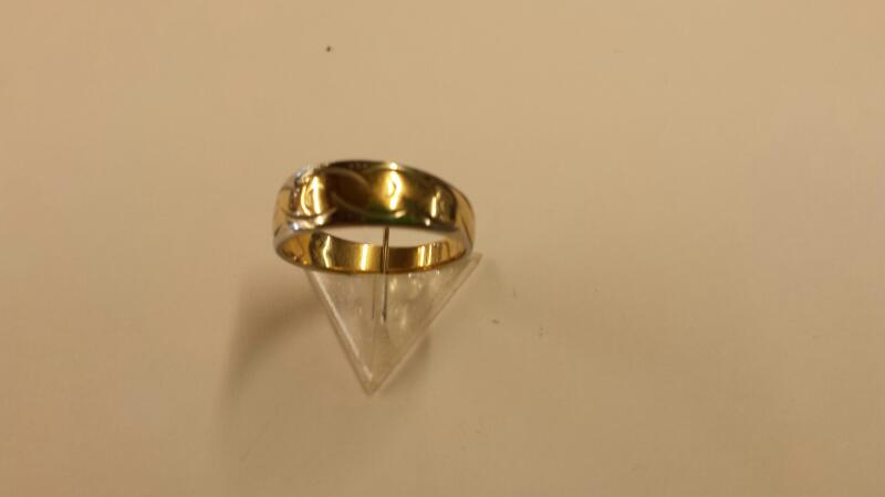 Lady's Gold Ring 14K 2 Tone Gold 1.84dwt