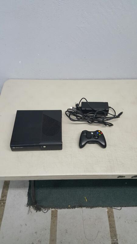 Microsoft Xbox 360 Black E Console 250GB (Model 1538)