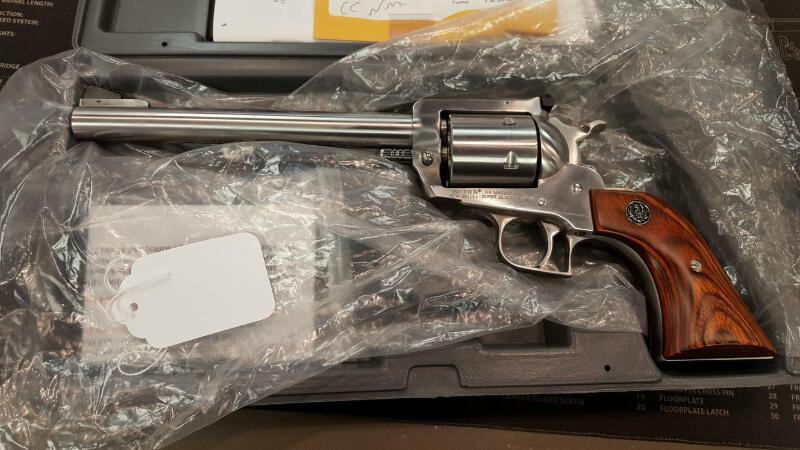 RUGER Revolver NEW MODEL SUPER BLACKHAWK 44 MAG