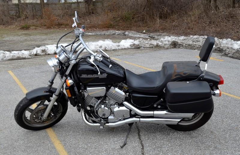 2002 HONDA MOTORCYCLE VF750C