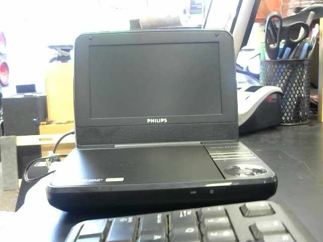 PHILIPS Portable DVD Player DVD PLAYER PET741M/37