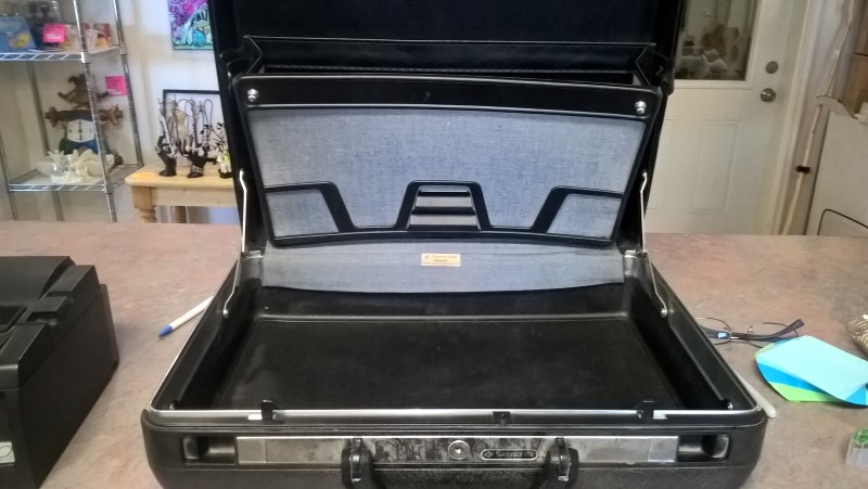 SAMSONITE BRIEF CASE