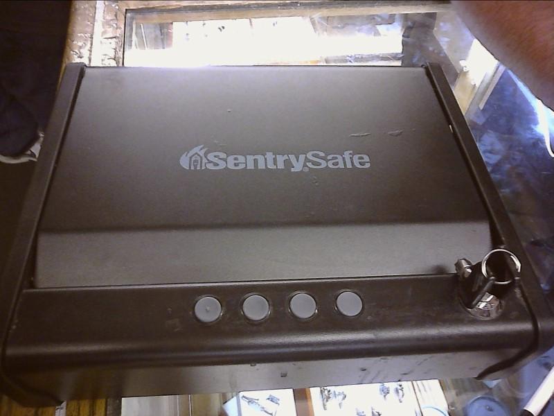 SENTRY SAFE Gun Safe QAP1E