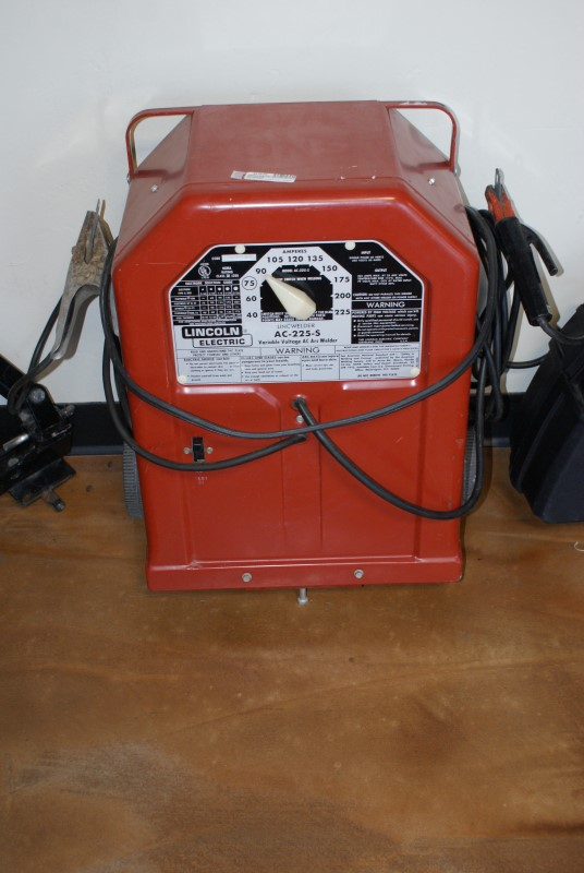 LINCOLN ELECTRIC Arc Welder AC-225-S