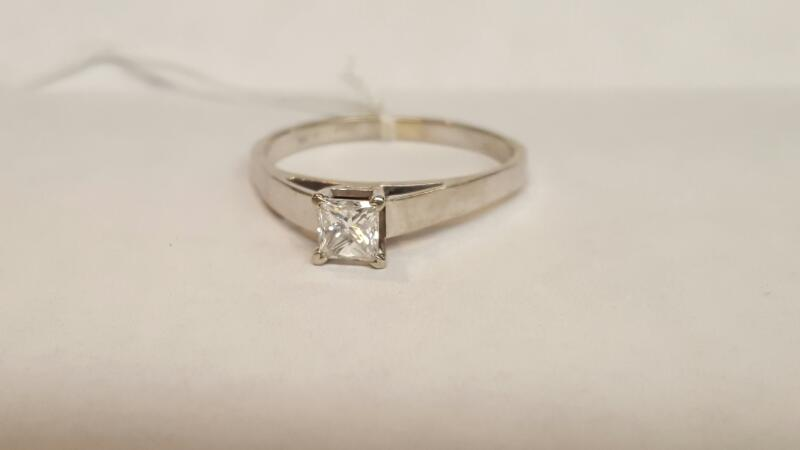 Lady's Diamond Solitaire Ring .50 CT. 14K White Gold 3.94g Size:12