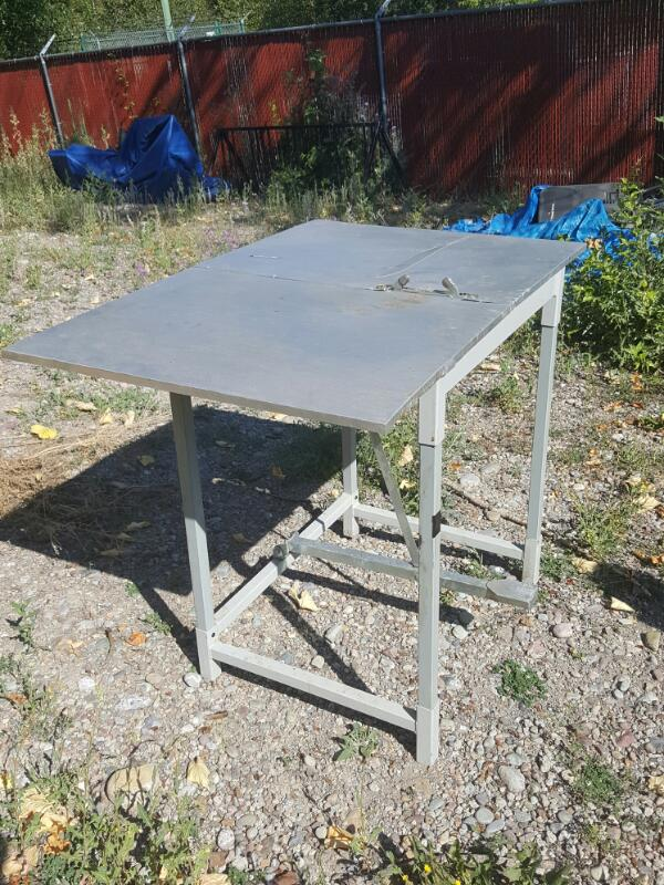 1077012 MITCHELL METAL WREATH MACHINE - METAL STAND AND CLAMP MACHINE W/ ALUMINU