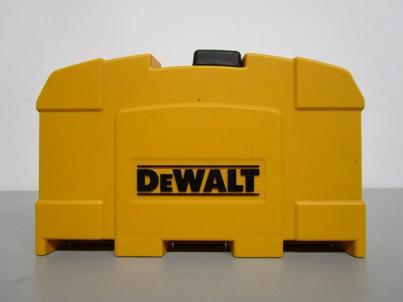 DEWALT 17-PIECE TITANIUM DRILL BIT SET, COMPLETE