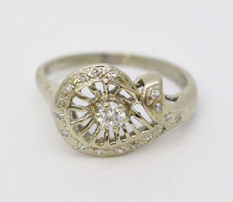 14K White Gold Vintage Inspired Floral Spoked Wheel Design Diamond Ring Size 7.5