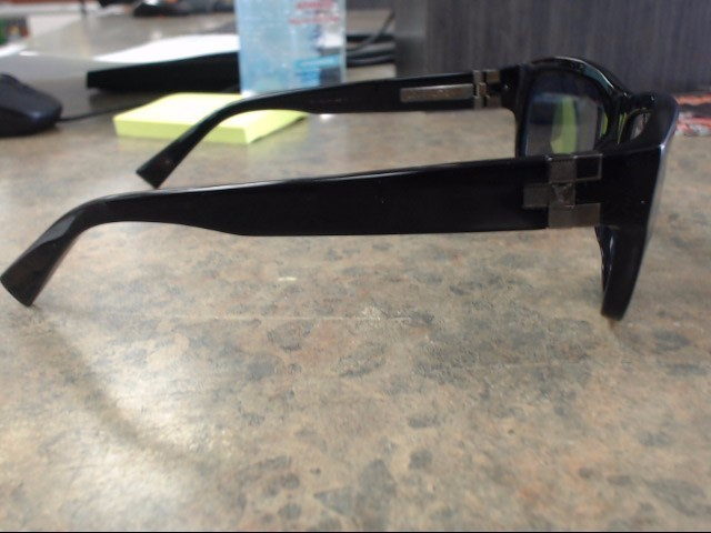 LOUIS VUITTON Sunglasses Z0359W