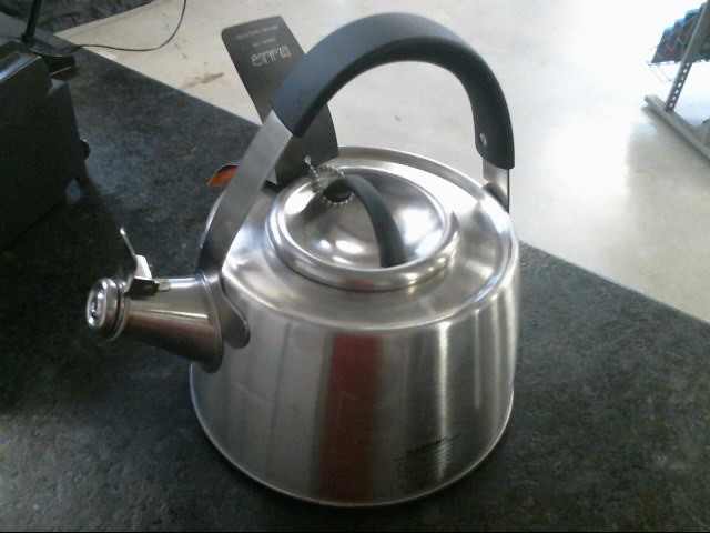 Il Mulino New York Stovetop Kettle Whistling Teapot Stainless Steel 2QT