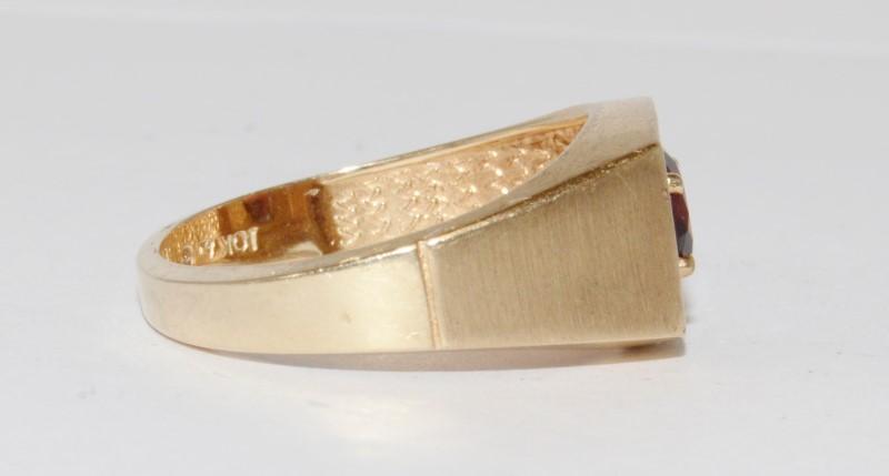 10k Men's Vintage Inspired Yellow Gold Garnet Ring Size 9.5