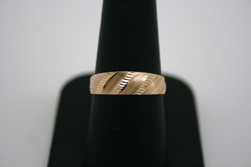 LADY'S FASHION STYLE RING 14K YELLOW GOLD