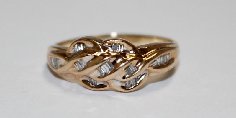 Women's 10K Yellow Gold Unique Channel Set Diamond Cluster Ring Size 9.75